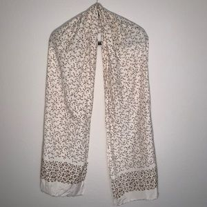 Gap white/taupe floral summer scarf